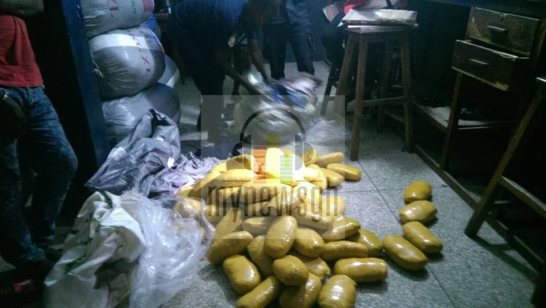 PICTURES: Police reject GH¢10k bribe to arrest truck loaded with 7,120 slabs of wee