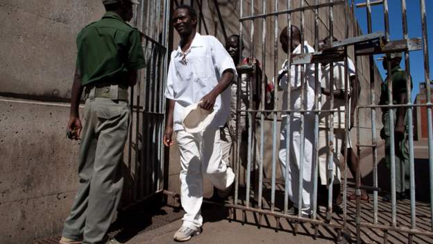 Zimbabwe pardons 3,000 inmates to empty overcrowded jails