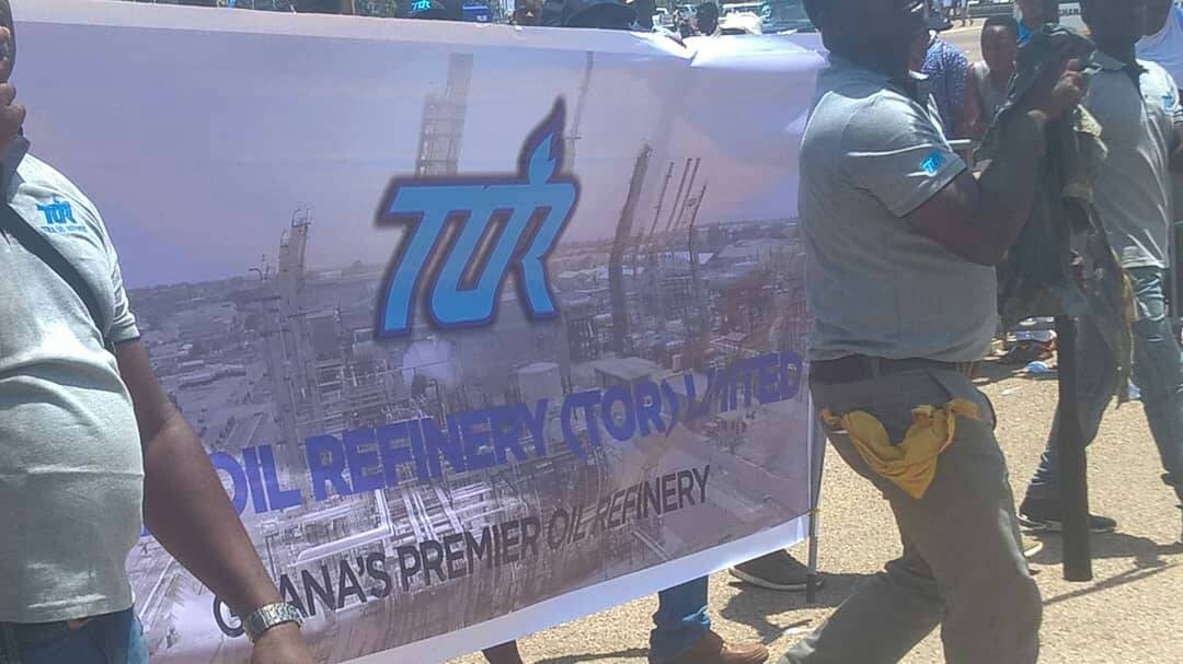 PICTURES:Energy sector workers mark May Day