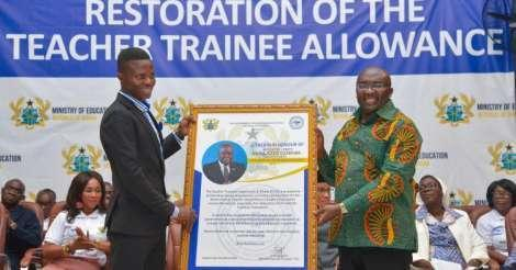 Akufo-Addo pays teacher/nursing trainees January-March allawa in huge bulk