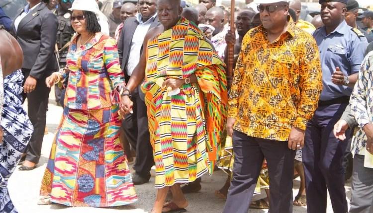 Flashback: Mahama and Otumfuo at the Commissioning of the Kajetia Market