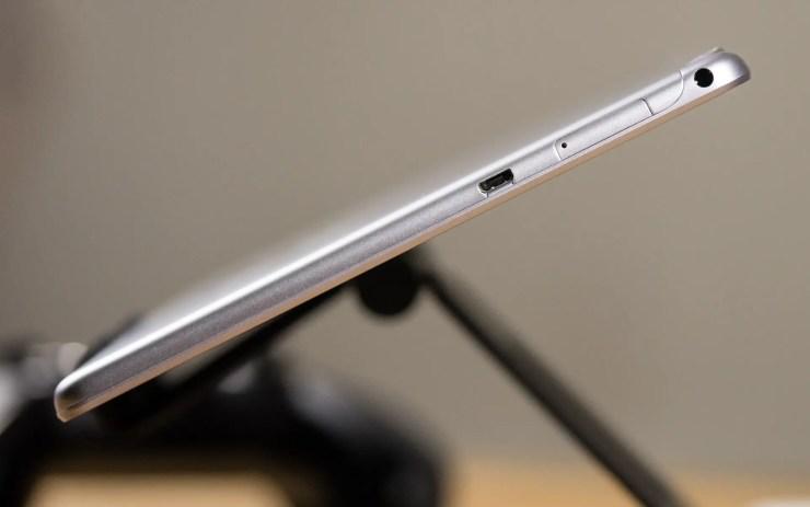 Huawei MediaPad T3 10 ports
