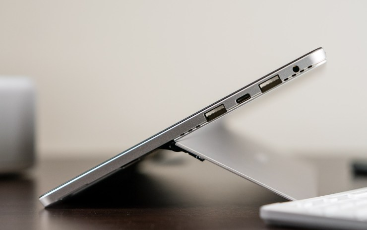 Chuwi SurBook Mini USB Type C ports