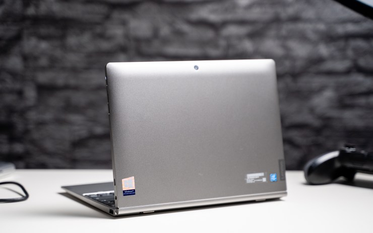 Lenovo IdeaPad D330 design