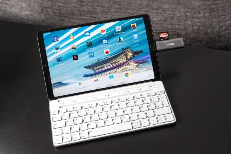 Xiaomi Mi Pad 4 Plus while working