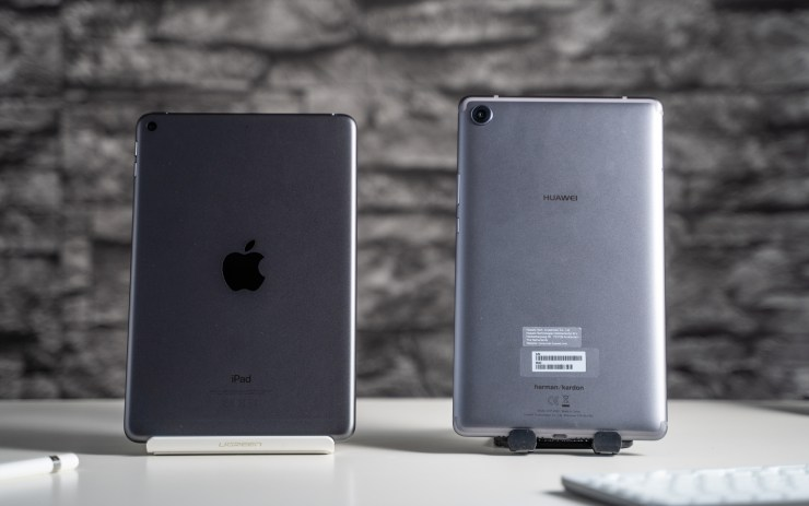 iPad Mini 2019 vs Huawei MediaPad M5 8 design comparison