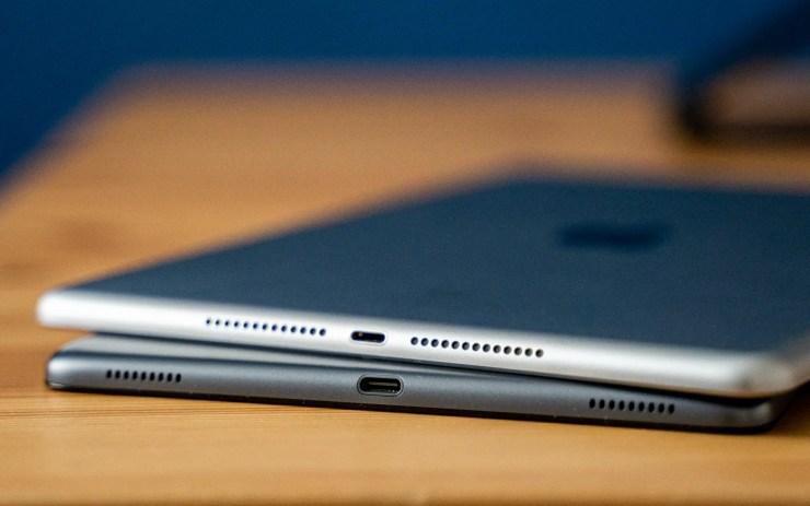 iPad vs Galaxy Tab A 2019 USB C port