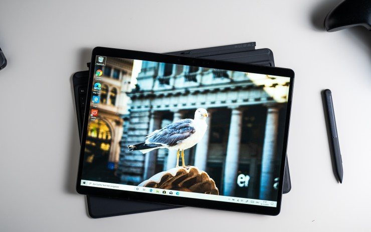 Microsoft Surface Pro X display