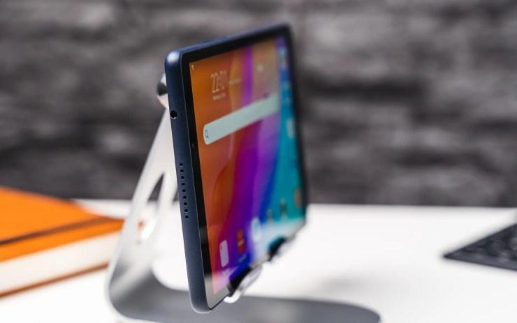 Huawei MatePad T8 microUSB port