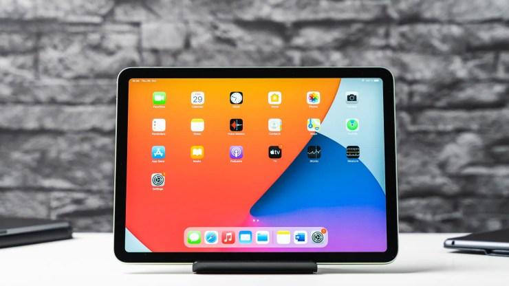 Apple iPad Air 4 with iPadOS