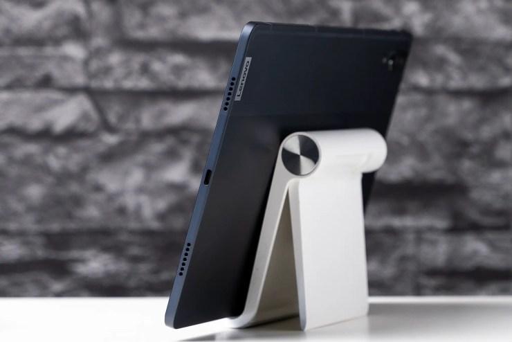 Lenovo Tab P11 Pro USB C port