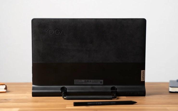 Lenovo Yoga Tab 13 kickstand