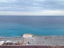 Nice vue du bord de mer depuis la terrasse du Radisson