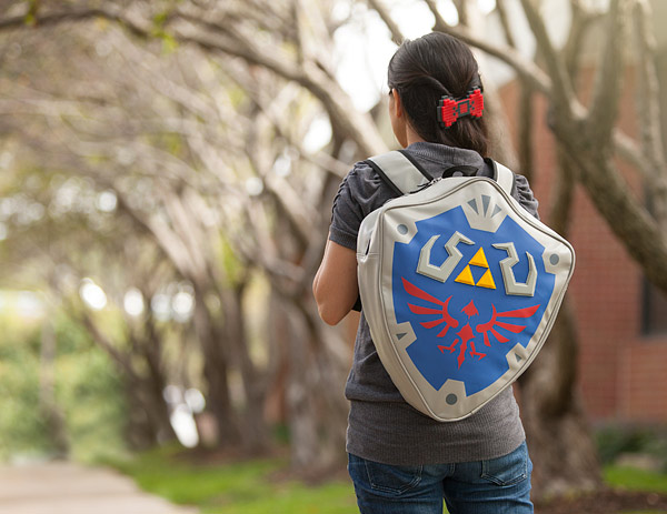 hylian_shield_backpack