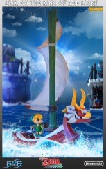 the_legend_of_zelda_link_on_king_of_red_lions_statue