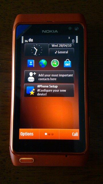 Nokia-N8-orange-3