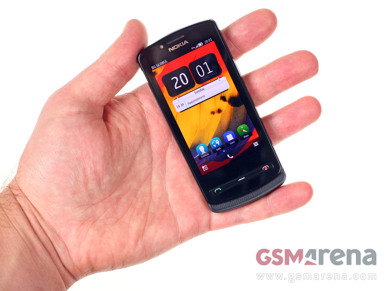 Nokia 700 Review from GSM Arena and All about Symbian : My