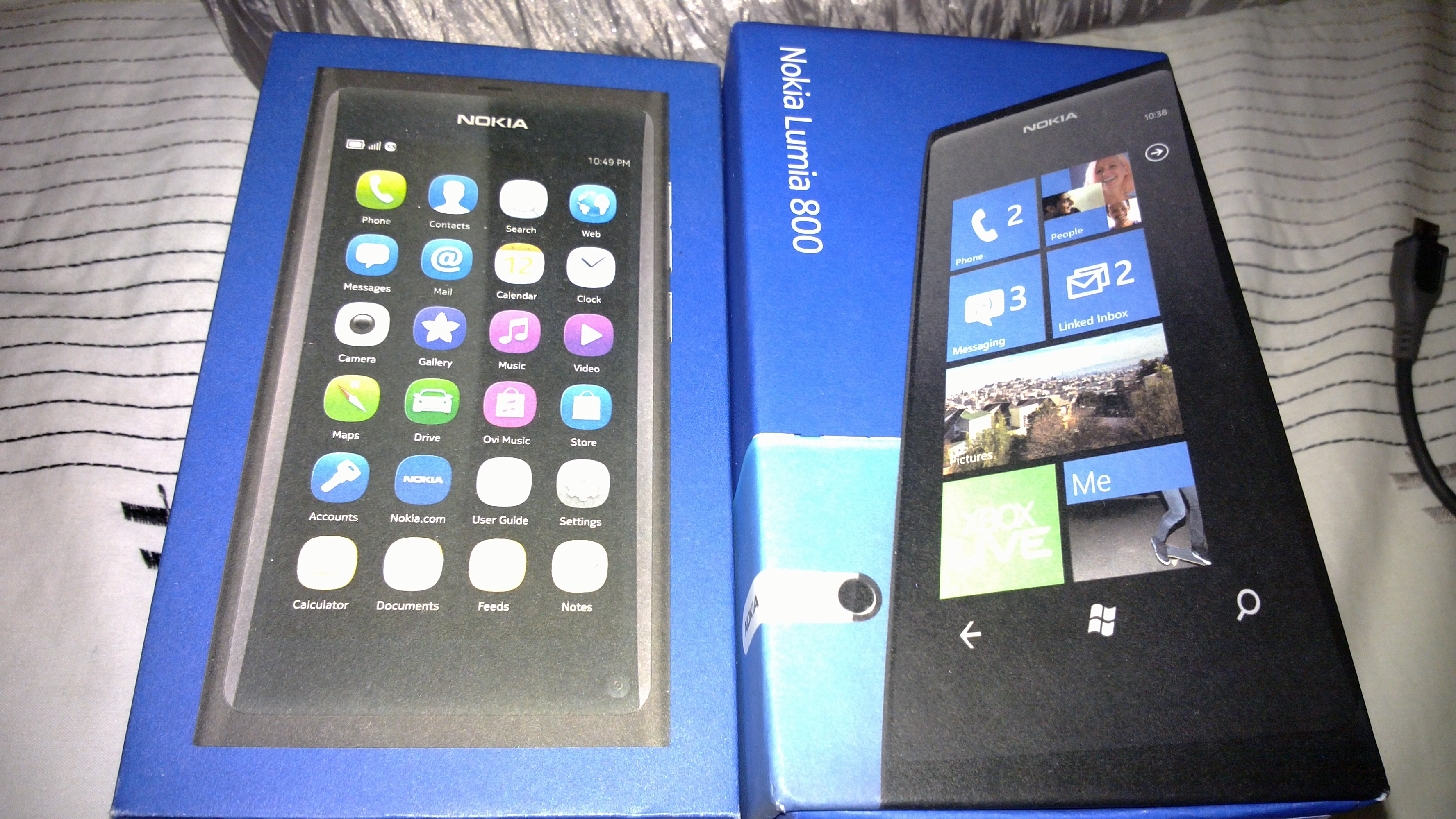 Lumia_N9_Packaging