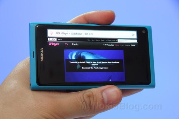 Firefox demoed on the Nokia N9(10)