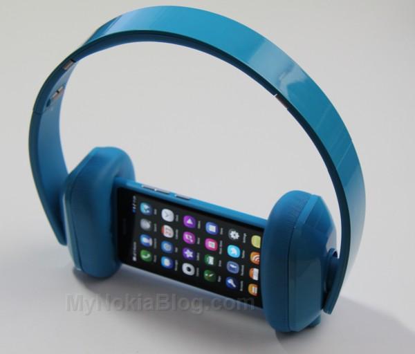 Nokia Purity HD Monster Cyan(42)