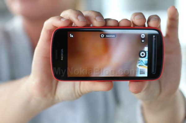 Red Nokia 808 PureView(52)