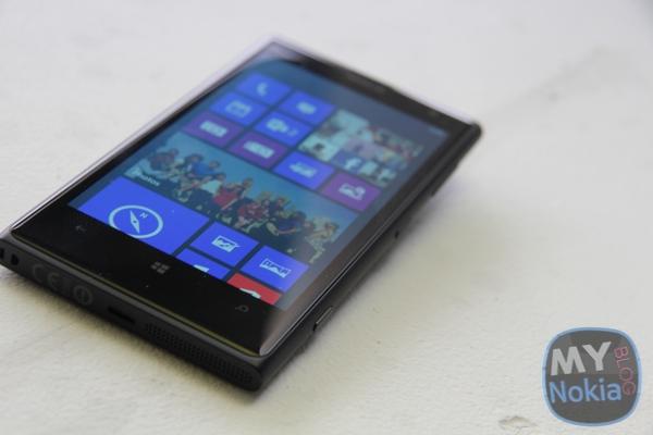 MNB IMG_0458Nokia Lumia 1020 black