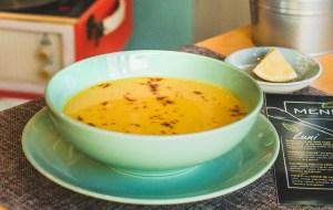 Supă de linte roşie, cu dovleac şi tarhon