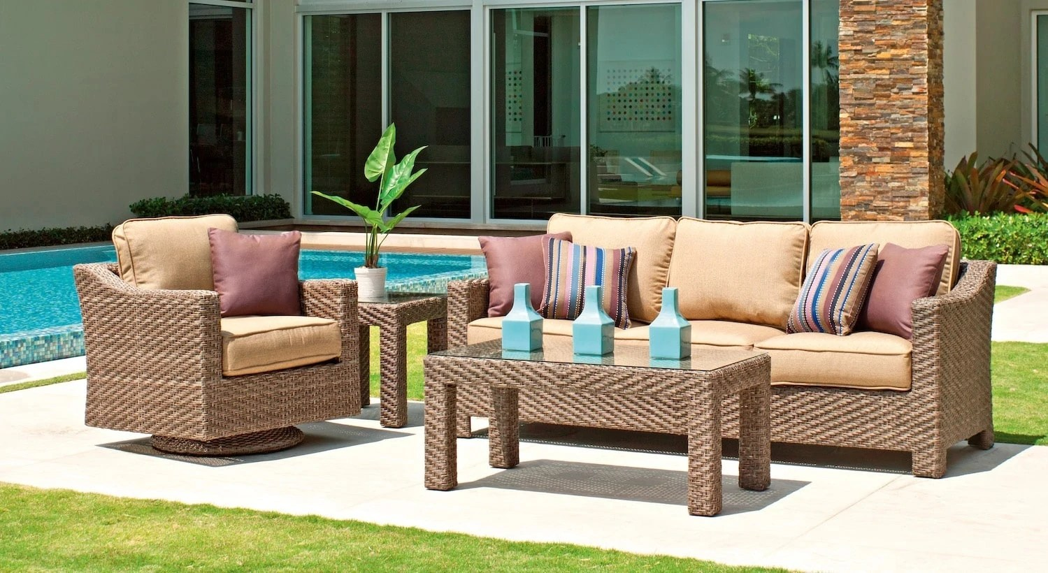 what s hot at patio furniture stores in