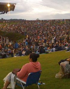 Ticket holders say hour traffic jam around white river amphitheatre kept them from show also rh mynorthwest