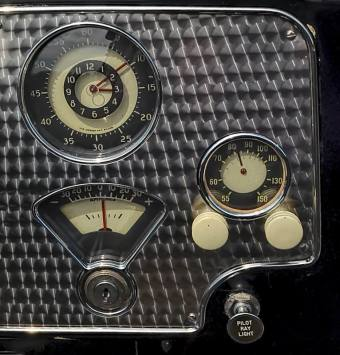 1936 Cord 810 Sportsman Cabriolet instruments