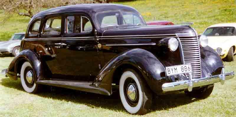 1938 Nash Lafayette Series 3818 4-Door Sedan