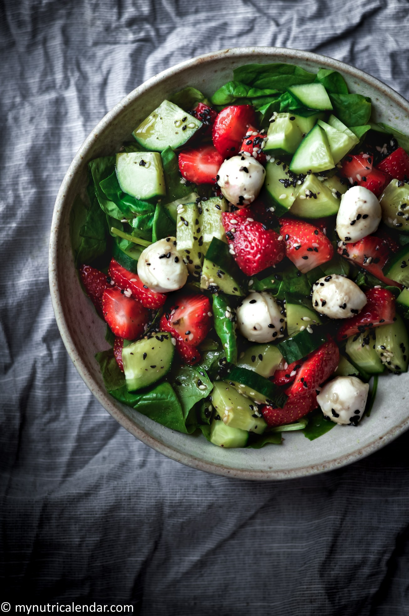 strawberries mozzarella spinach sesame seeds summer salad 6