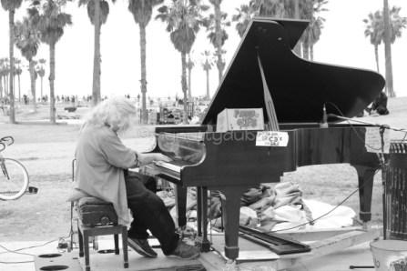 Music on the beachfront, Venice Beach