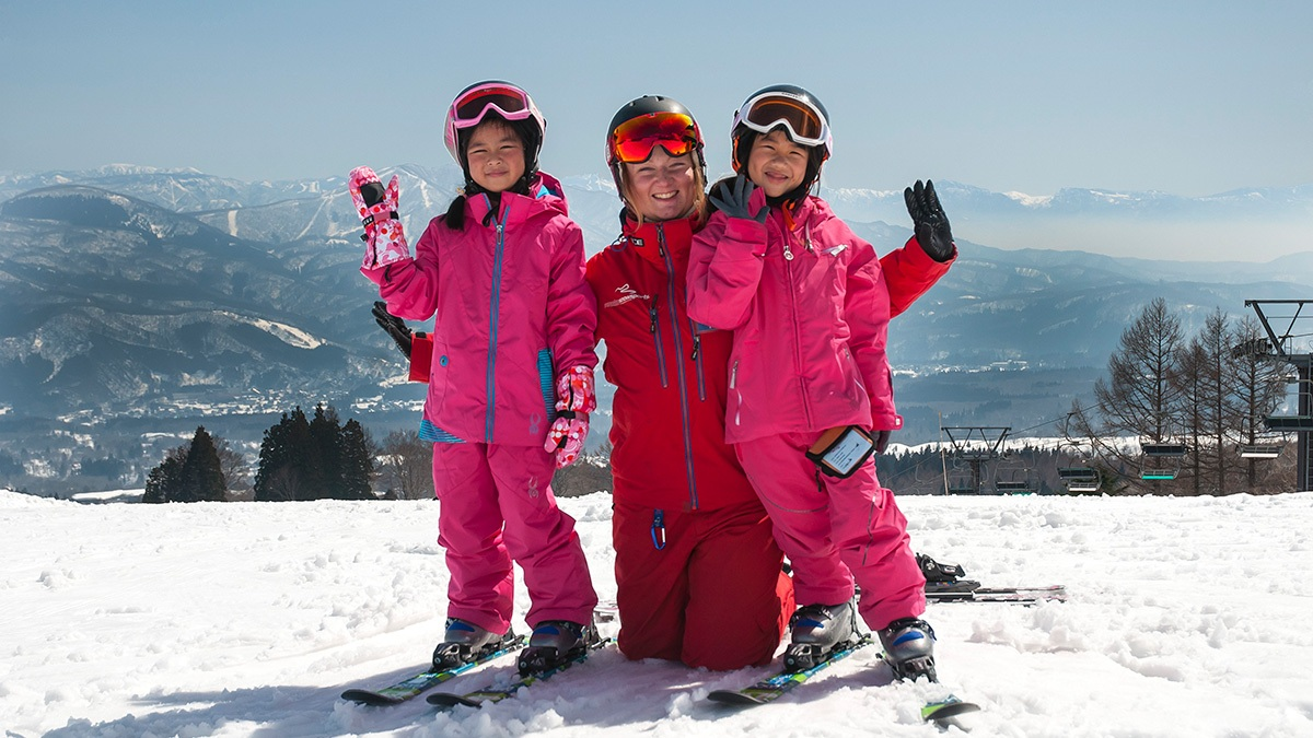 MM-Gal-4-1200w-x-675h-800wx450h Kids (3-6) Mini Mountaineers - Group Ski Lessons