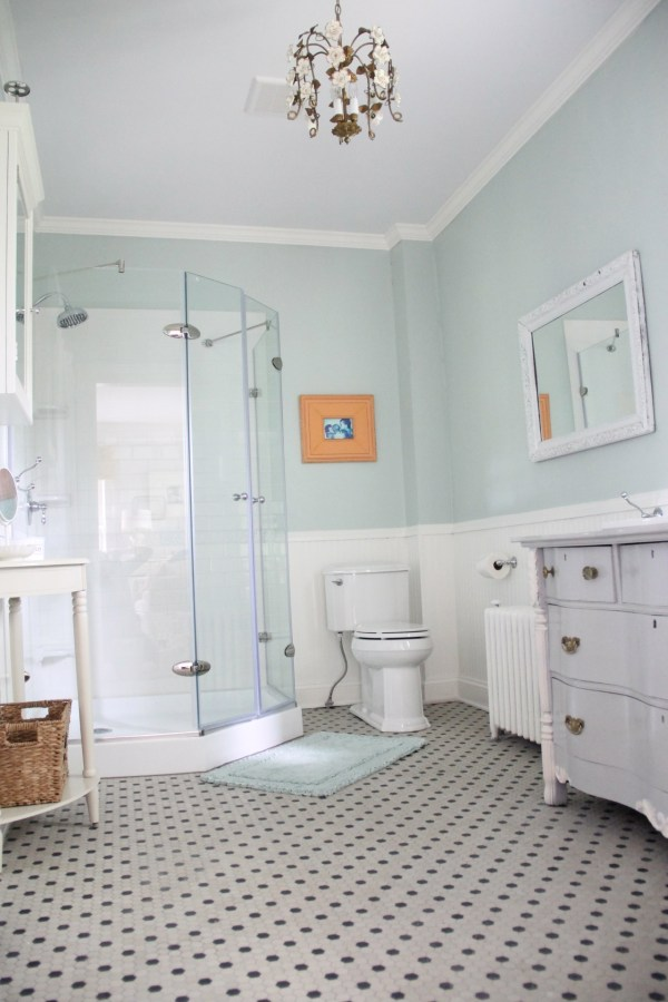 MASTER BATHROOM IN PALLADIAN BLUE