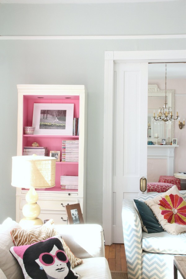 SEASALT LIVING ROOM WITH ONE OF MY FAVORITE MAKEOVERS IS THE CABINET I PAINTED BENJMAIN MOORE PARADISE PINK