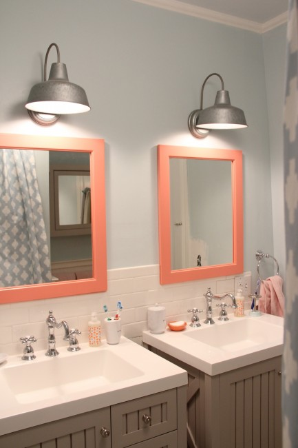 KIDS BATHROOM - OCEAN AIR AND CORAL GABLES