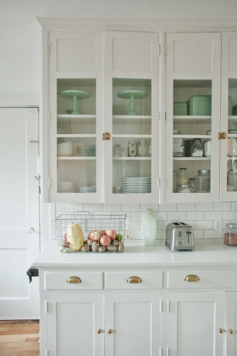 I LOVE A WHITE KITCHEN - THEY STAND THE TEST OF TIME!!!