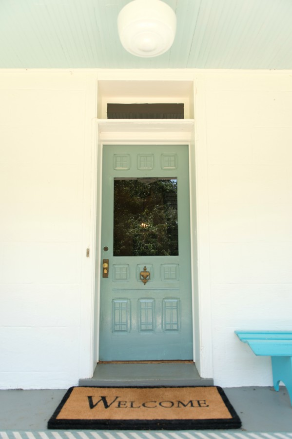 FRONT DOOR - BENJAMIN MOORE SEA STAR