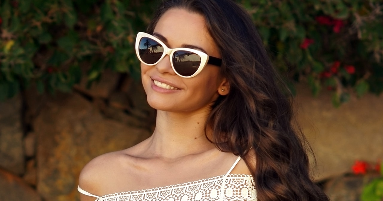 female model with sunglasses