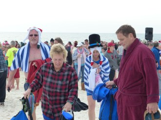 2015 FloraBama Polar Bear Dip 01
