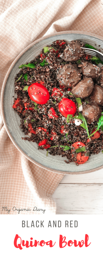BLACK AND RED QUINOA BOWL - vegan and gluten-free easy bowl with peppers, tomatoes, arugula and mushrooms