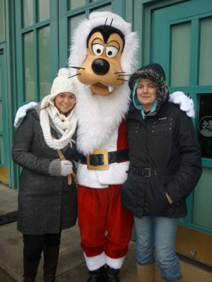 Christmas Goofy, Studio Entrance, December 2012