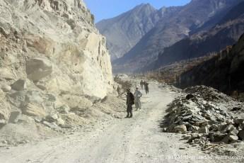 Workers blasting rocks