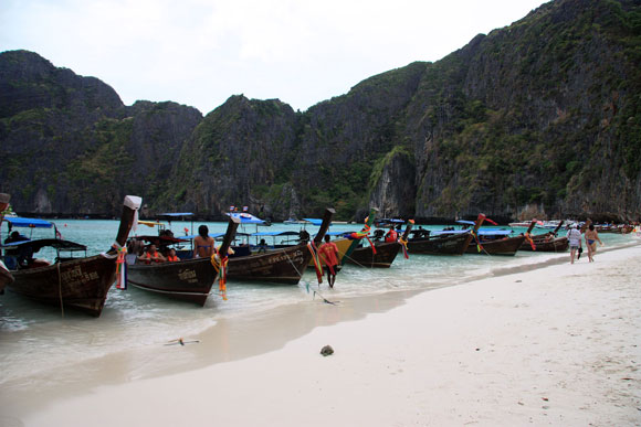 Thailand – Islands, Beaches & Tourists