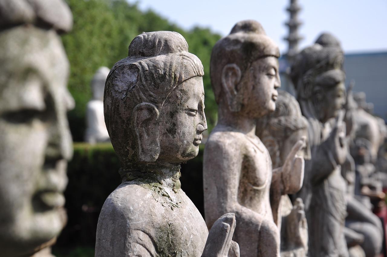 buddha-statues-1922373_1280 (1)