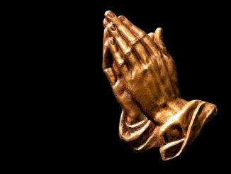 praying-hands-2539580_640