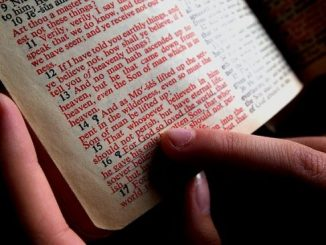 bible-1089968_640