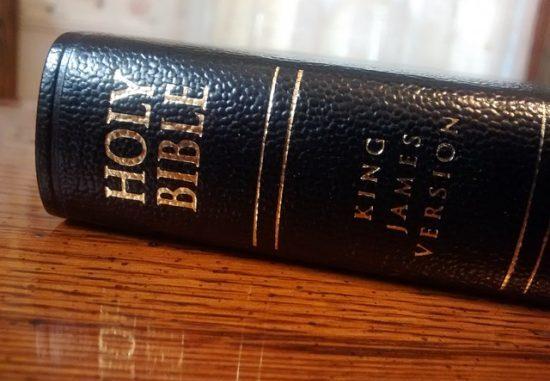bible-998150_640
