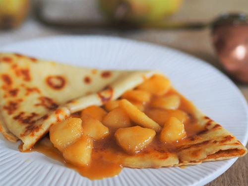 French Crepes with Pears and Caramel Sauce